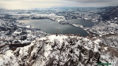 Lago di Annone con la neve