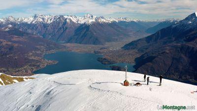 Bregagno e sulla sfondo Valtellina
