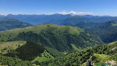 Vista verso le montagne lecchesi: Le Grigne e San Primo