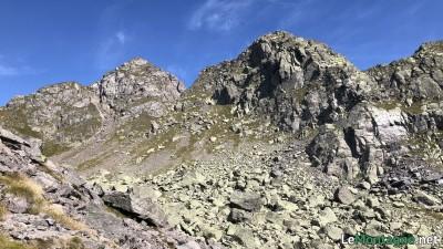 Montagne a est salendo la Valle d'Inferno