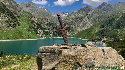 lago-del-barbellino-rifugio-curo-spada-nella-roccia