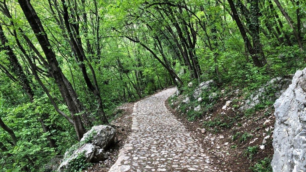 strada per san tommaso
