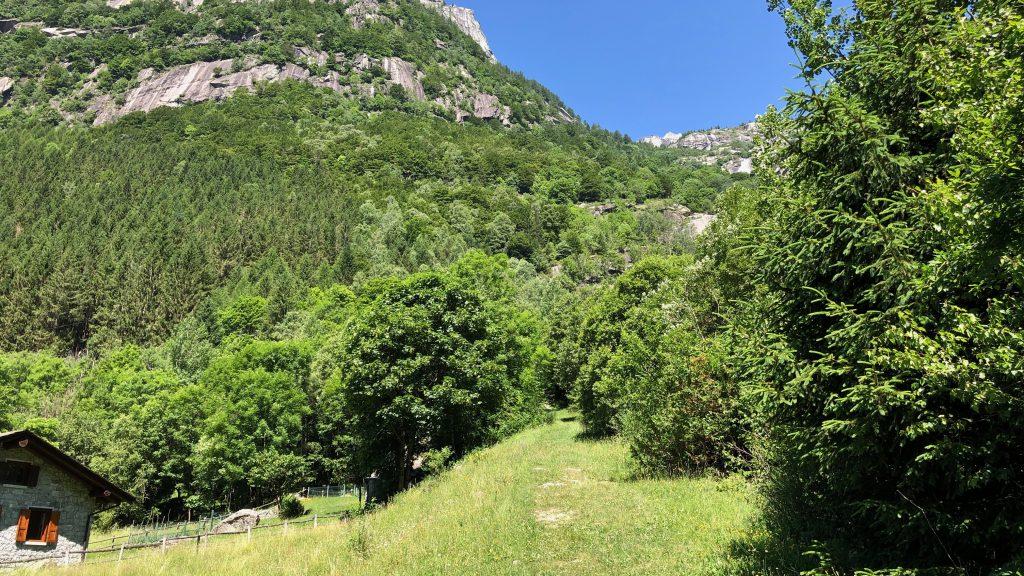 percorso verso la cascata di ferro