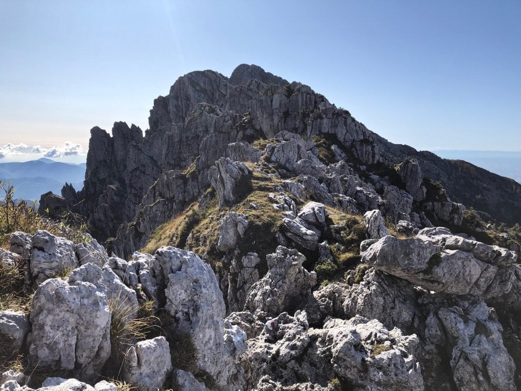 cresta del monte alben