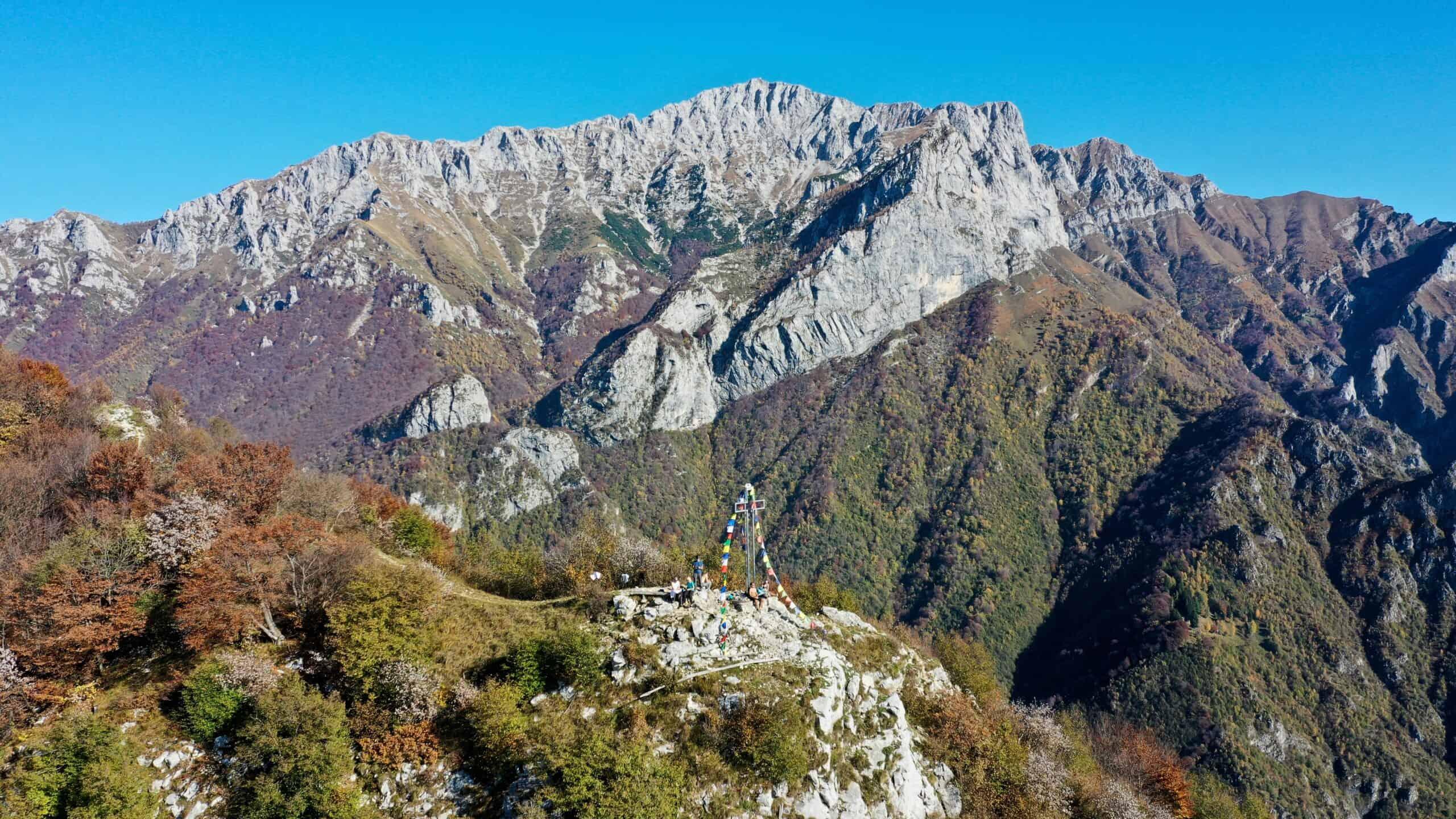 Zucco di Sileggio, un punto panoramico verso il Lago di Como e il Grignone